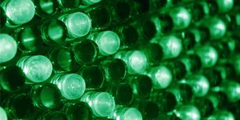 デジタルサイネージディスプレイの輝度について