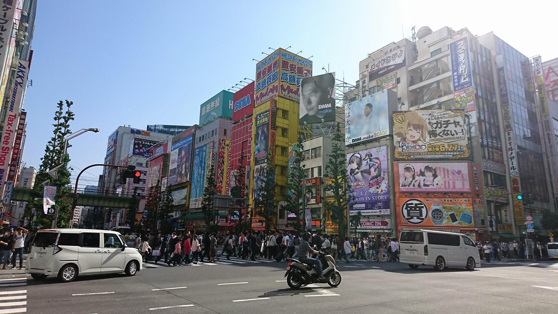 「街」のデジタルサイネージ(秋葉原編)07_中央通り