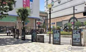 本厚木駅前北口広場デジタルサイネージ「あつナビ」02